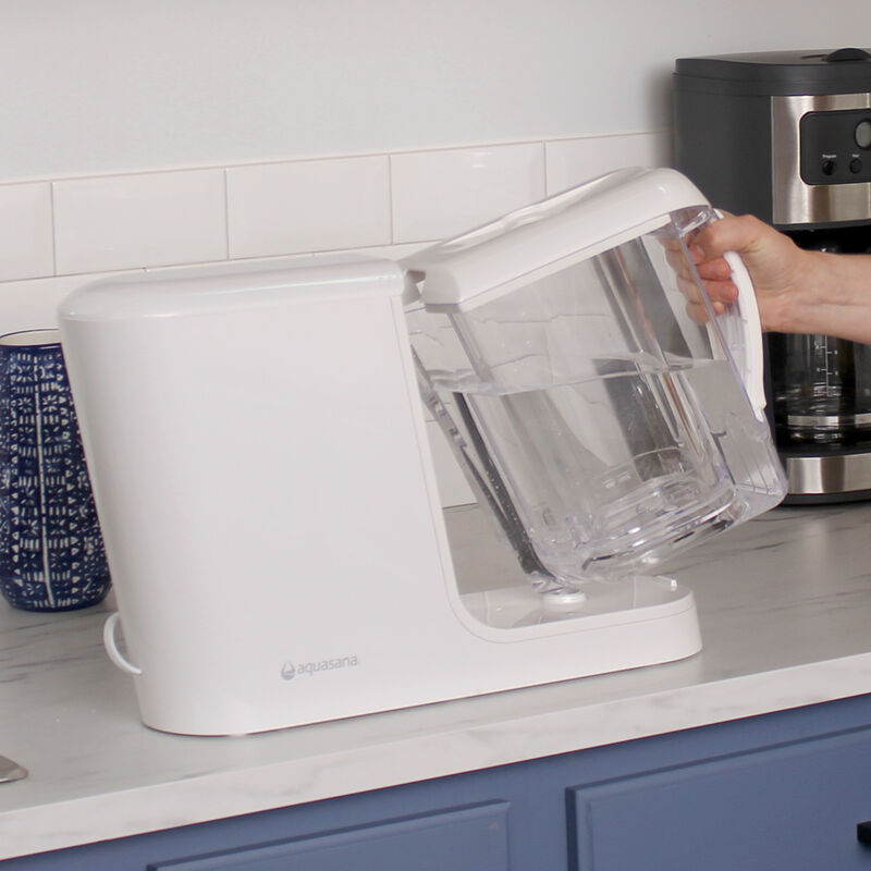 Clean Water Machine with Pitcher - White image number 5